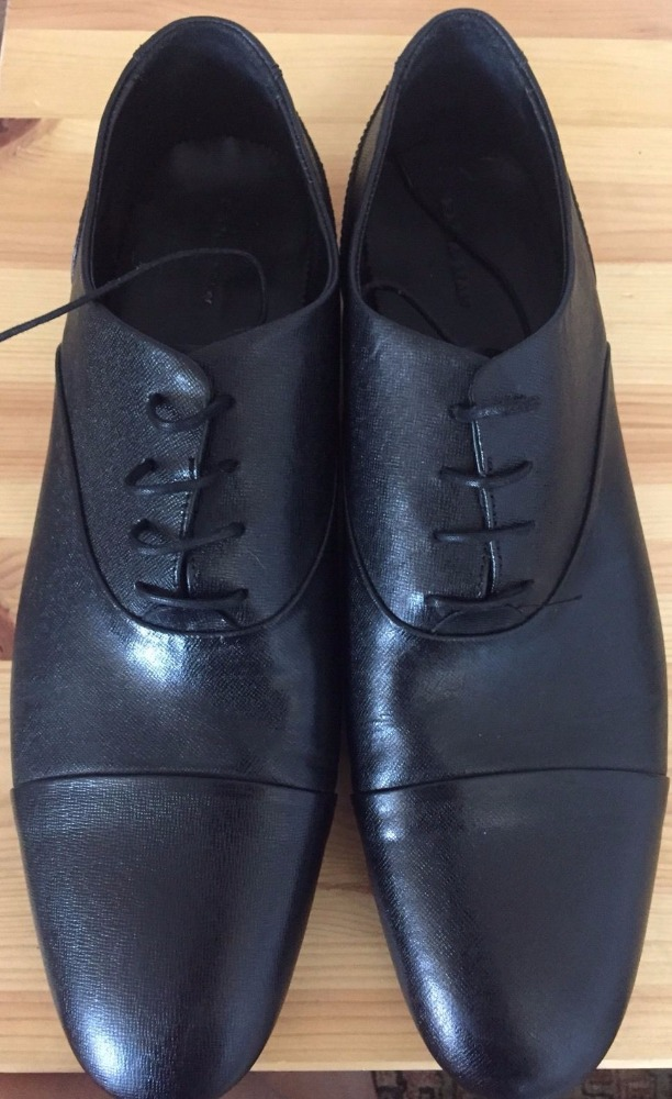 Worn Dress Shoes Black For Men Size 11 Or 44 Leather upper