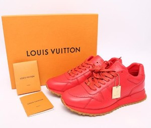 Used and preo wned branded LV sneakers for sale in bulk.