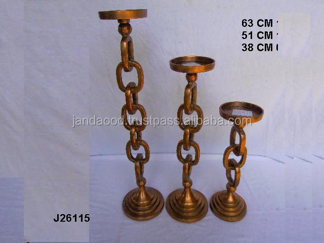 Hammared candle holder made in cast Aluminium in copper finish