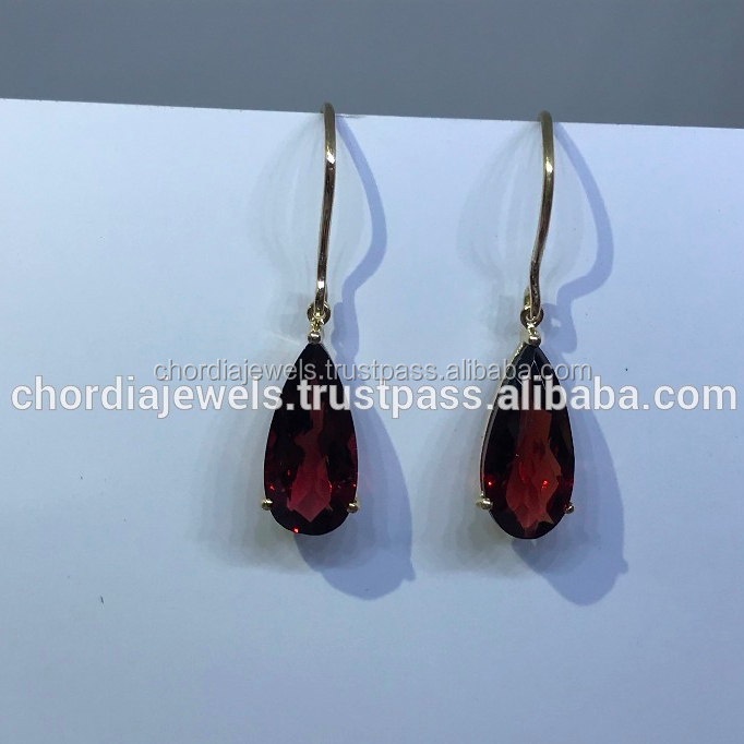 Red garnet studded 14K yellow gold earrings
