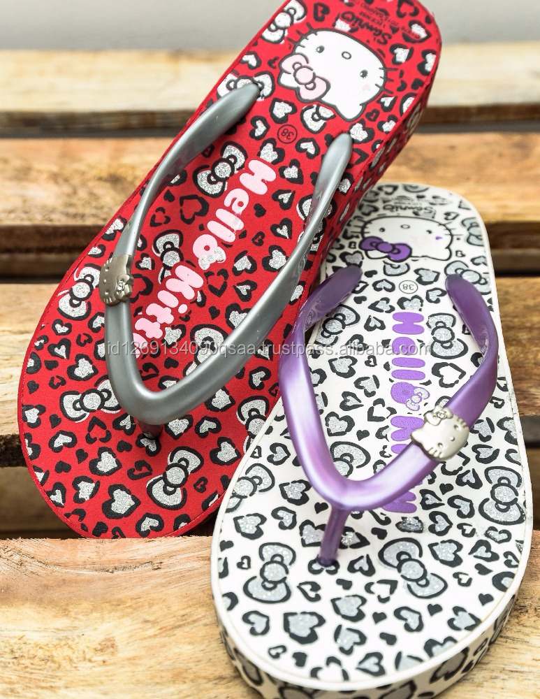New Design Slide Sandal for Lady Footwear Hello Kitty Pattern