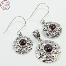 Gorgeous look 925 sterling silver red garnet gemstone pendant earring set wholesale exporter silver jewelry set