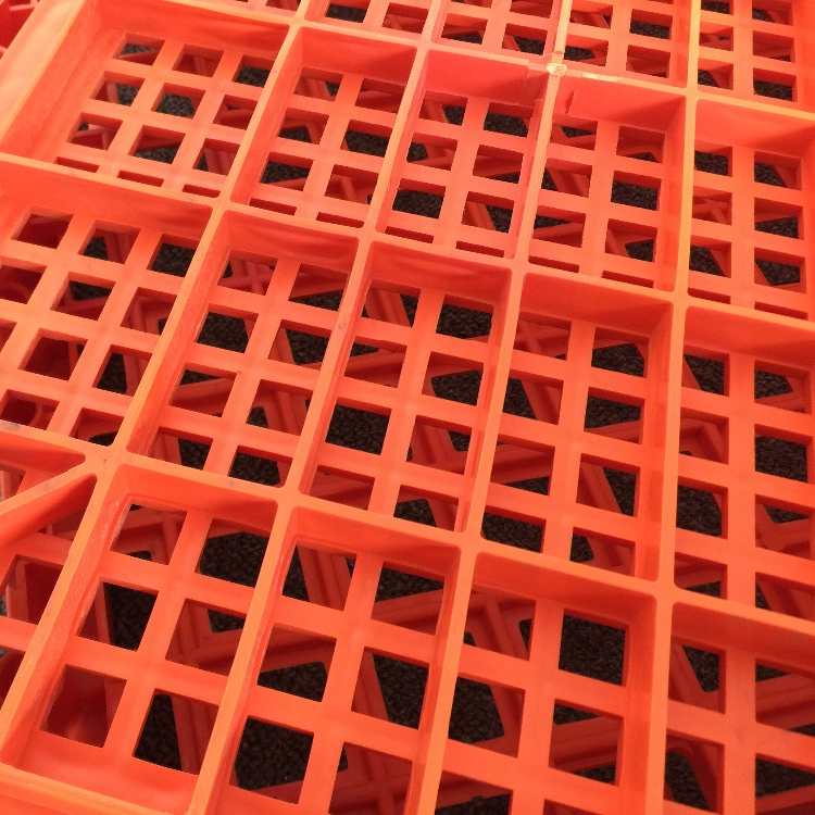Malaysia high quality plastic cage for birds Poultry farming equipment Used plastic chicken transport cage for sale