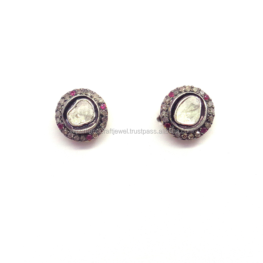Beautiful stud Design Diamond earrings