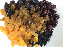 Dried / Dehydrated Dates Figs Mango/Apricots/Banana chips/Cranberries/Raisins