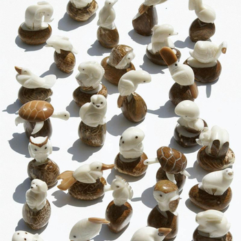 Animal Figurines Miniature Hand Carved Tagua Nut Sculptures Handmade Carving Wholesale Statues Art of Ecuador