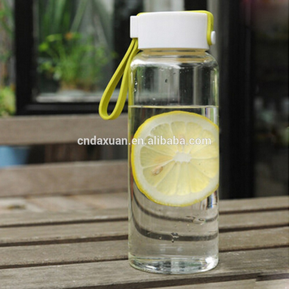 2017 New and Hot Selling Customized Borosilicate Glass Water Bottle Sports Bottle