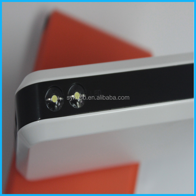 Promotional Gift White 8000mAh Mini Power Bank for Smart Phone