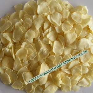 PREMIUM QUALITY DRIED GARLIC FLAKES FROM VIETNAM