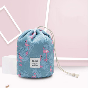 Wholesale Fashion Design Waterproof Polyester Large Capacity Travel Make Up Drawstring Women Cosmetic bags