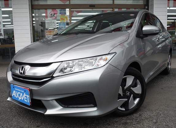 Second hand RHD 2015 Honda Grace Hybrid LX from Japanese supplier