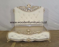 French Style Bedroom Furniture Antique Reproduction Wooden Bed European Style Home Furniture Upholstered Bed