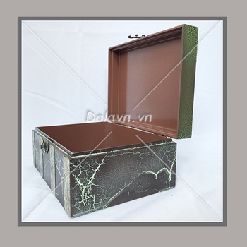 The best products come from Dolavn co., Ltd lacquer Antique box
