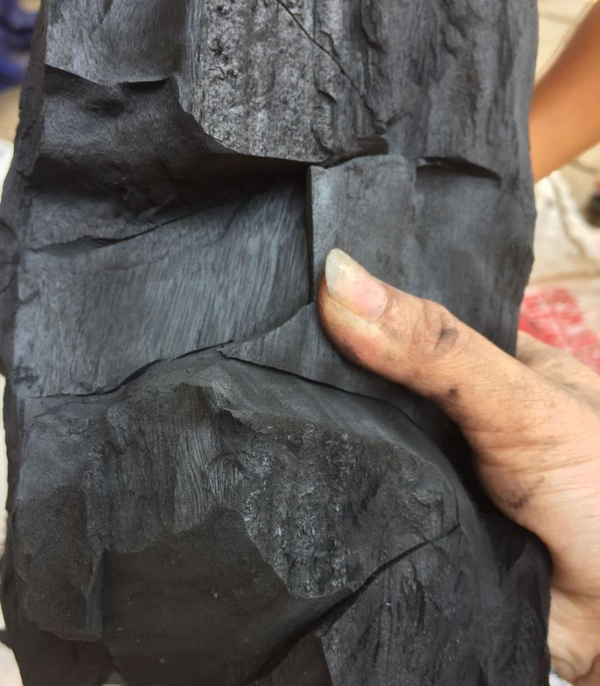 100% Natural hardwood charcoal briquette for BBQ grill