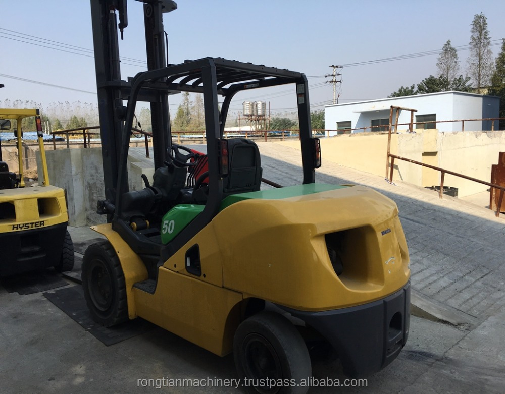 Running condition 2 mast 5 ton Japanese used komatsu FD50 diesel forklift for sale in Shanghai site