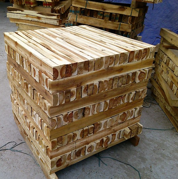 ACACIA SAWN TIMBER WITH HIGH QUALITY AND CHEAP PRICE