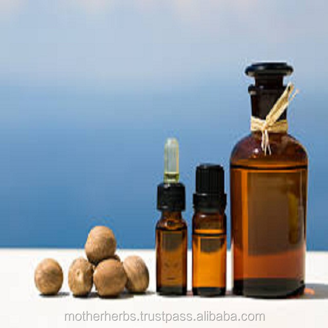 High Quality Nutmeg Essential Oil / Myristica Fragrans Oil