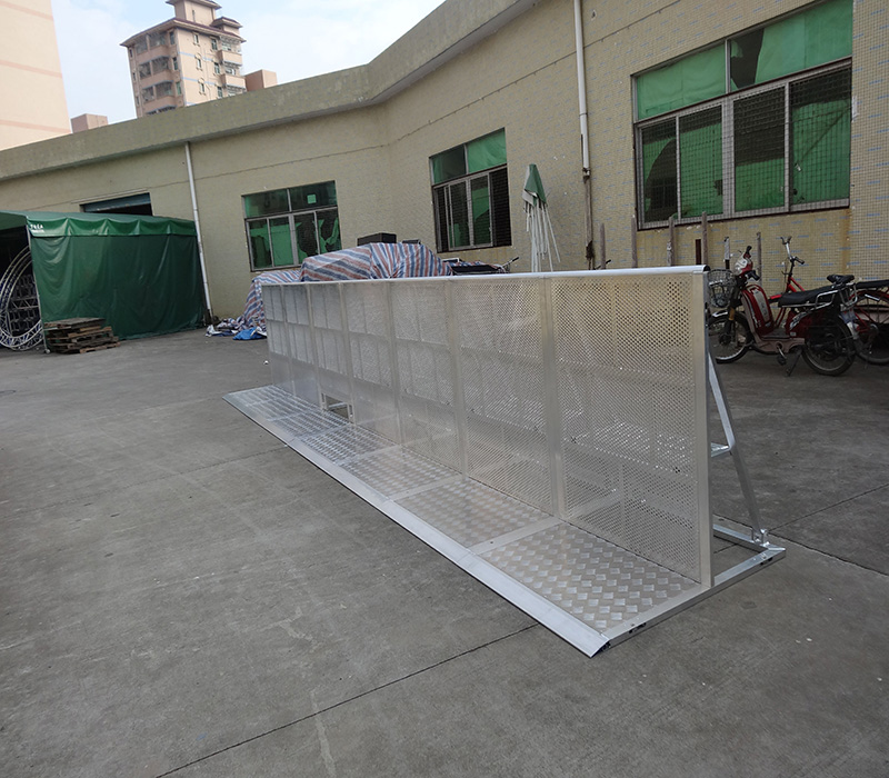 Hot selling portabel aluminum crowd barrier in singapore