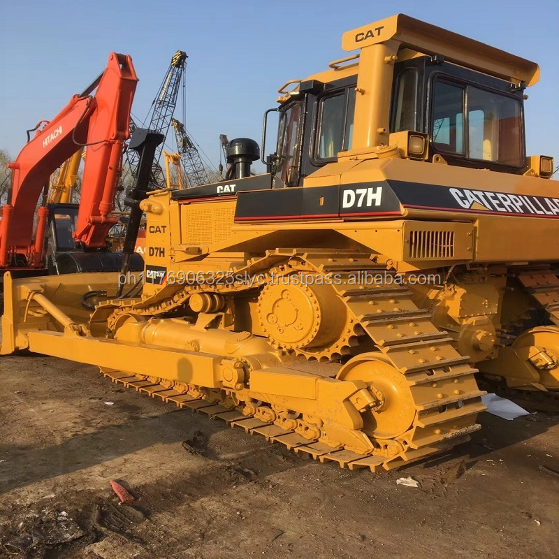 Bulldozer D7H Used 2 year ago ,it is good products andwe have the best price