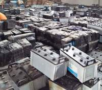 USED Waste Auto, Car and Truck battery, Drained lead battery scrap for sale at cheap for sale