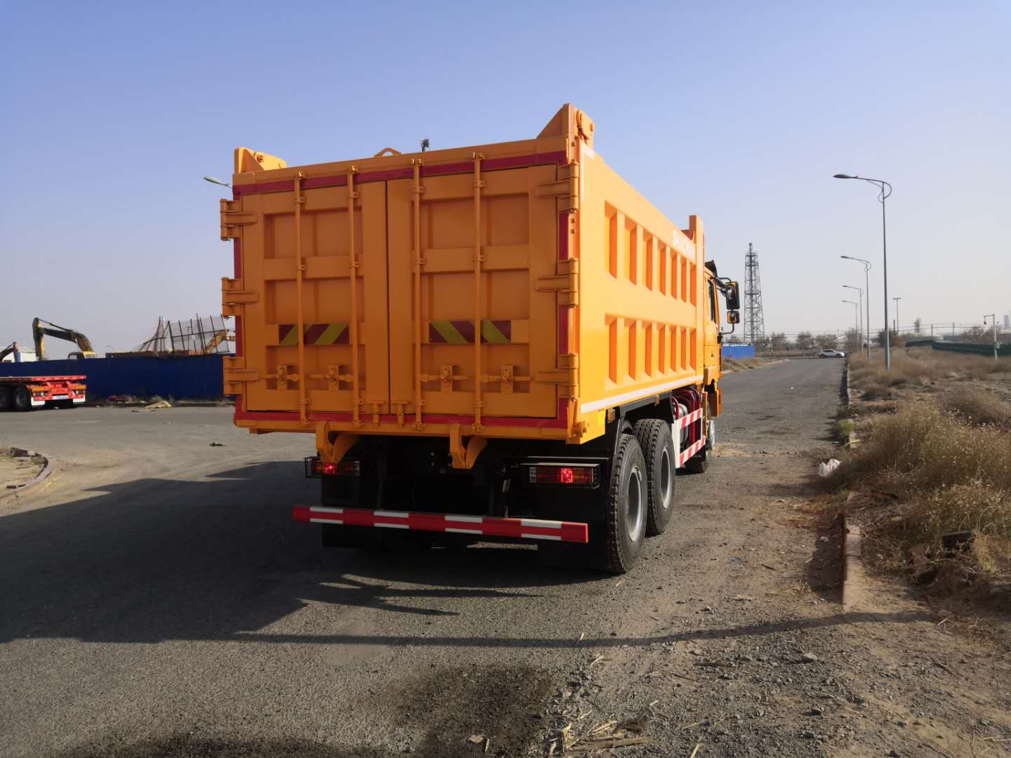 Shacman Dump Truck Tipper F2000 13ton Camion For Stones Transport
