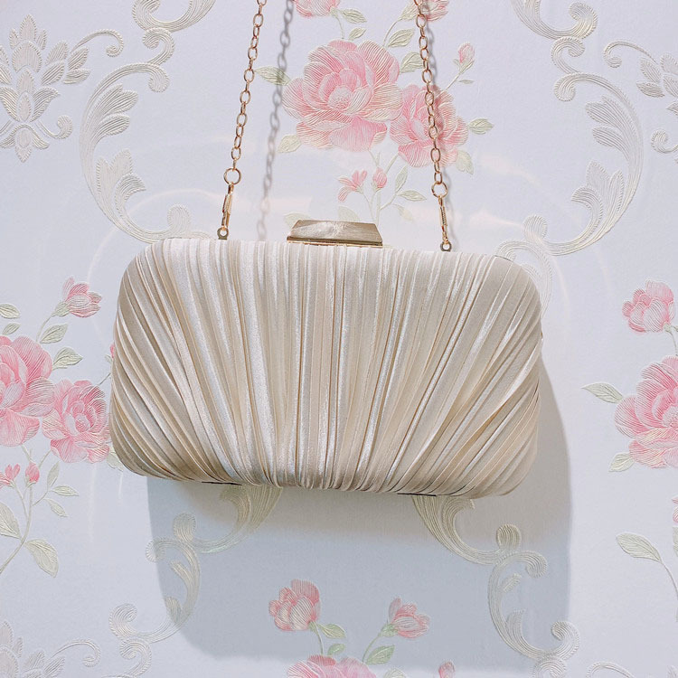 Pleated handbag lady's purse Fashion versatile chain clutch handbag