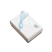 Anpassbare Produkte Feder Entwirft <span class=keywords><strong>Romantische</strong></span> <span class=keywords><strong>Schmuck</strong></span> Papier Box Mit Bowknot Frauen <span class=keywords><strong>Schmuck</strong></span> Verpackung Boxen Für Stud Ring