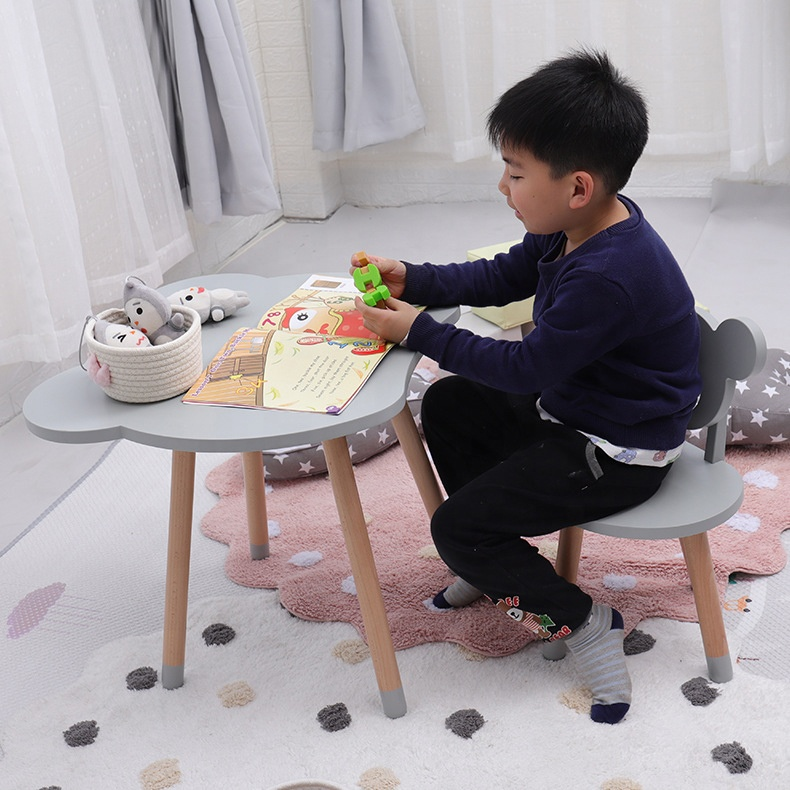 Kids room furniture eco-friendly wood bear design playing kids study table chair set