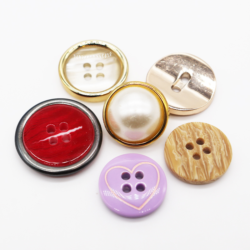 custom logo 4 hole polishing plastic customize resinic buttons for clothes plastic button