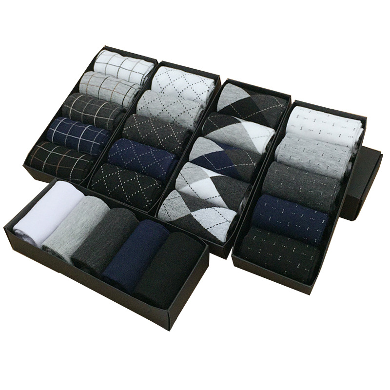 Toptan kalın kış hediye kutusu paketlenmiş antifoul beyaz siyah özel tasarım logo iş erkek çorap