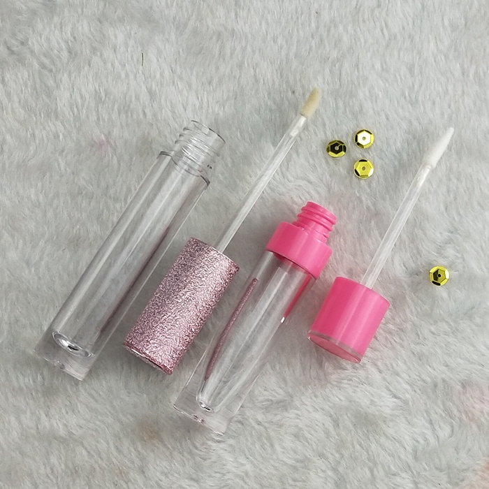 DIY Kosmetik Kustom Private Label Matte Lipstik Tahan Air Rendah MOQ Lipgloss Tabung Private Label Diy Lipgloss