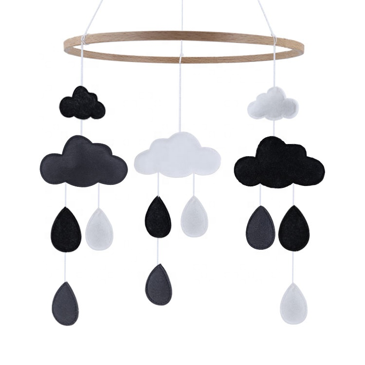 Indoor Hanging Toys Baby Crib Mobile Nursery Room Decor Cloud Cot Mobile Monochrome Felt Baby Mobile