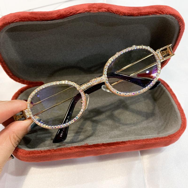 نظارات شمسية مستديرة صغيرة كلاسيكية للنساء لعام 2019 نظارات شمس كلاسيكية Steampunk للرجال نظارات شمسية من حجر الراين واللؤلؤ الوردي الشفاف Oculos de sol
