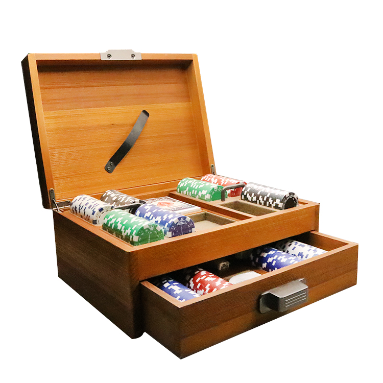 Customized one-stop high quality wooden entertainment poker chips sets box