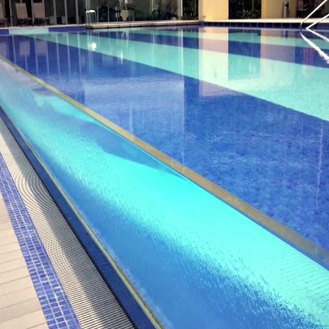 จีนโปร่งใสขนาดใหญ่ว่ายน้ำอะคริลิคสระว่ายน้ำ 100 มม.อะคริลิคสระว่ายน้ำ