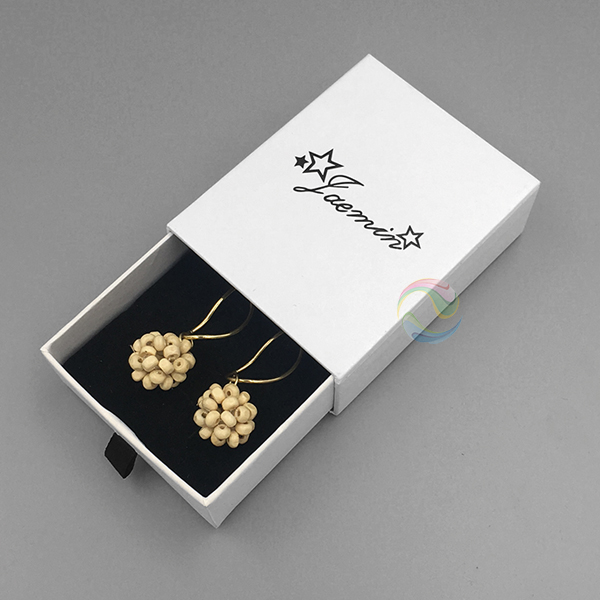 earrings box 11.jpg