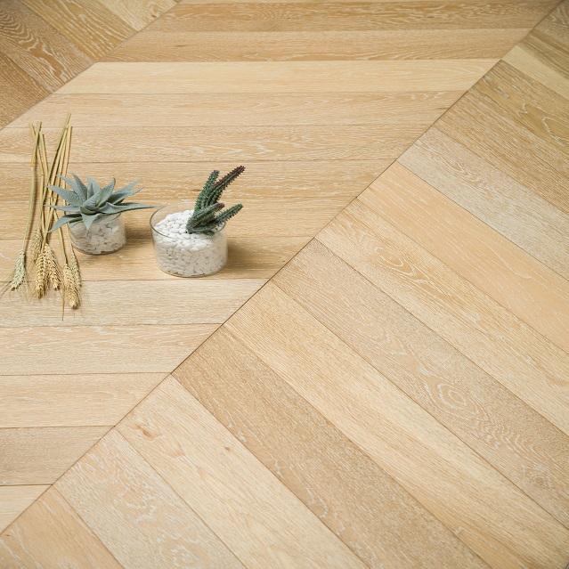 Solid wood multi-storey floor, fishbone floor, oak floor