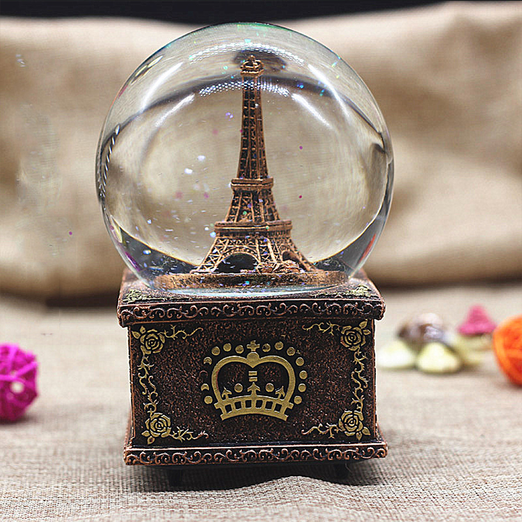 New product custom made resin craft snow globe for home decoration
