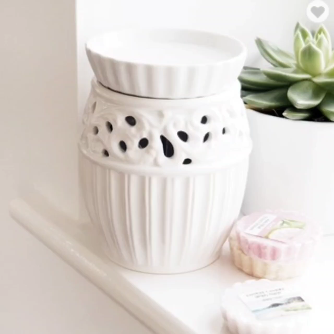 White electric scented ceramic wax tart candle warmer melt plug in diffuser essential oil diffuser aroma burner Christmas gift