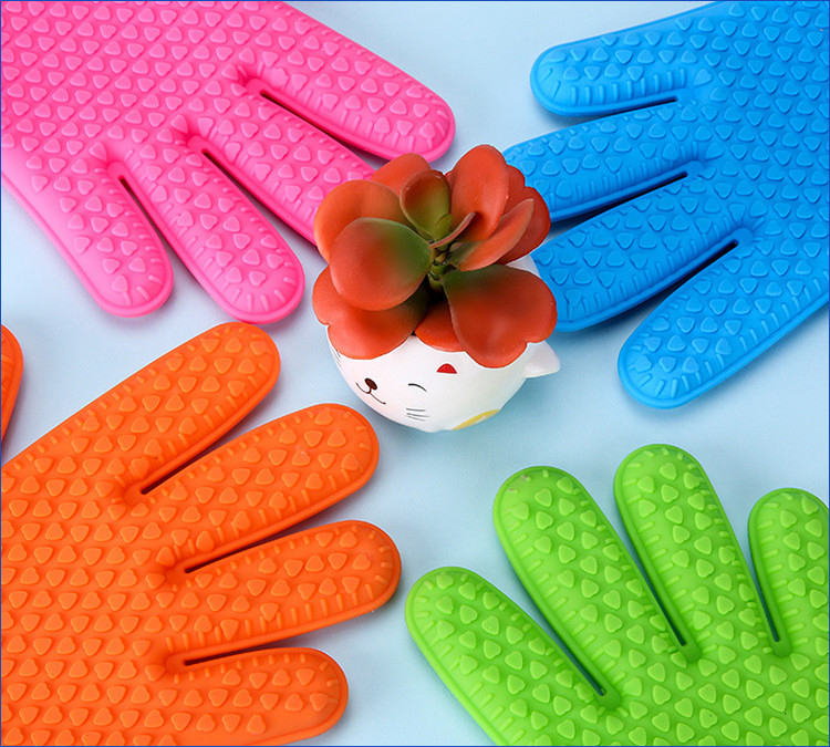 Heat Resistant Silicone Oven Glove.jpg
