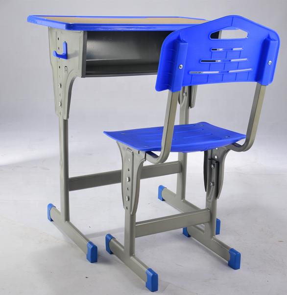 2020 New model wooden plastic student desk and chair adjustable school desk set