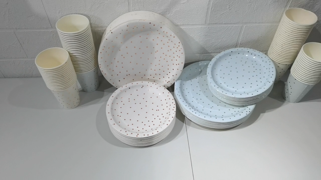 Yachen wholesale biodegradable Disposable party Blue Dots Paper Tableware dinner set With Napkin
