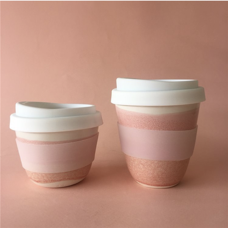 Stile americano moderno lucido reattiva smaltato rosa personalizzato di caffè di ceramica tazze di viaggio con coperchi in silicone