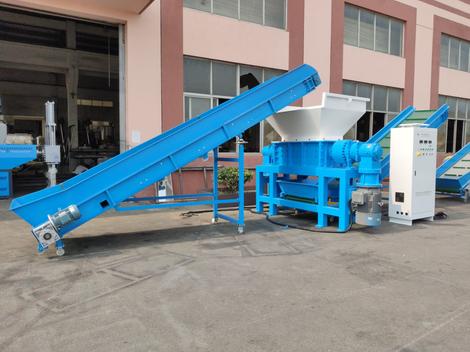 High Capacity 2000kg/h Plastic Pe Film/ Pp Woven Jumbo Bags Shredding Shredder Machine