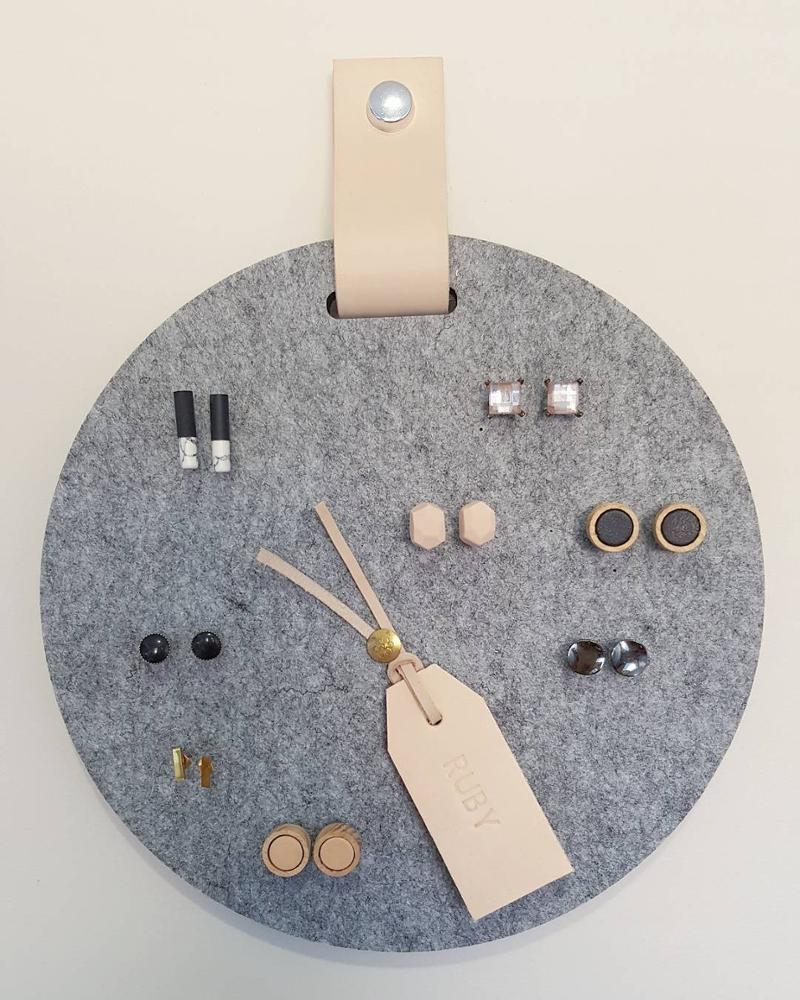 Decorative Hanging Felt circle round Pinboard bulletin Board with Natural Leather Hanger for wall organizer