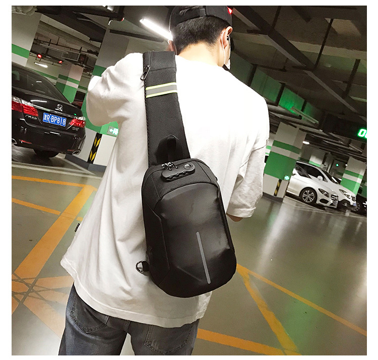 2019 Wholesales Bum Bag Plus Security Lock Waist Pack Sling Messenger Bag with USB Charging Chest Bags