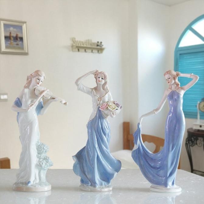 wholesale elegant porcelain beautiful western girls figurines for gifts