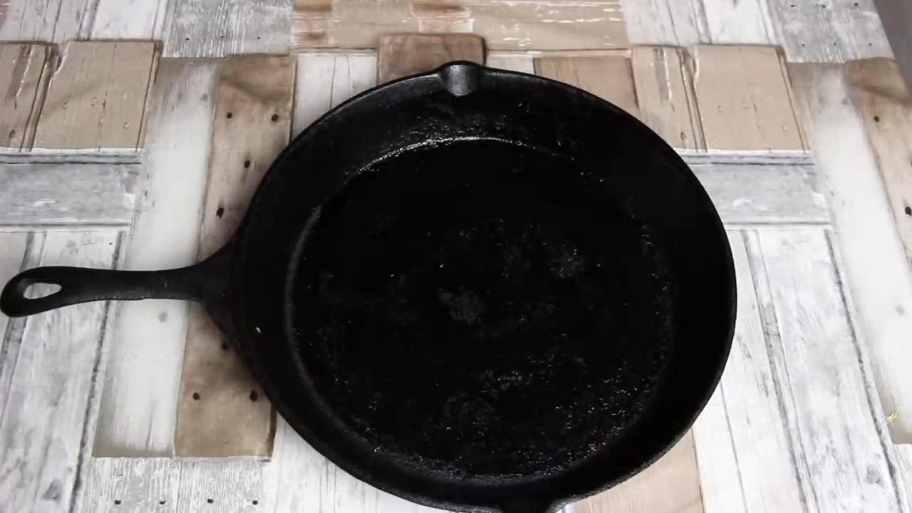 カスタマイズされたロゴブラック鋳鉄プレシーズンフライパンセット