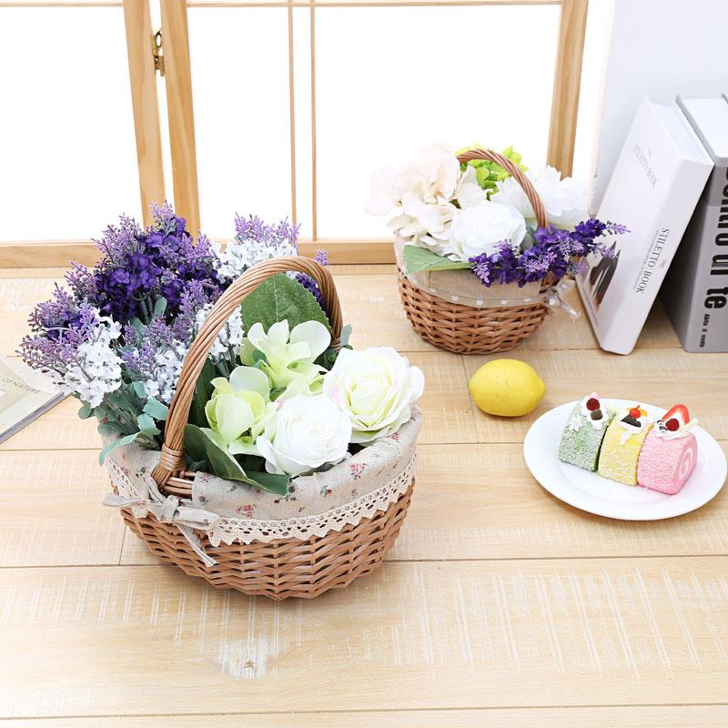 Factory Wholesale Willow Gift Basket Lined Wicker Baskets for Crafts with handle