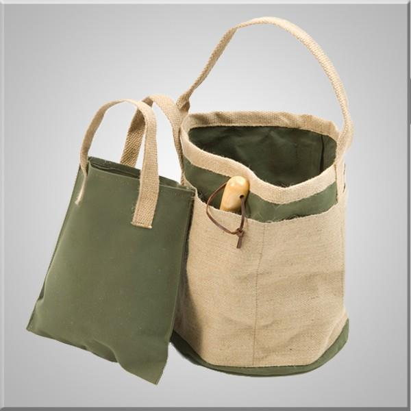 Gardener's Pail large compartment with tote strap can put in garden tools